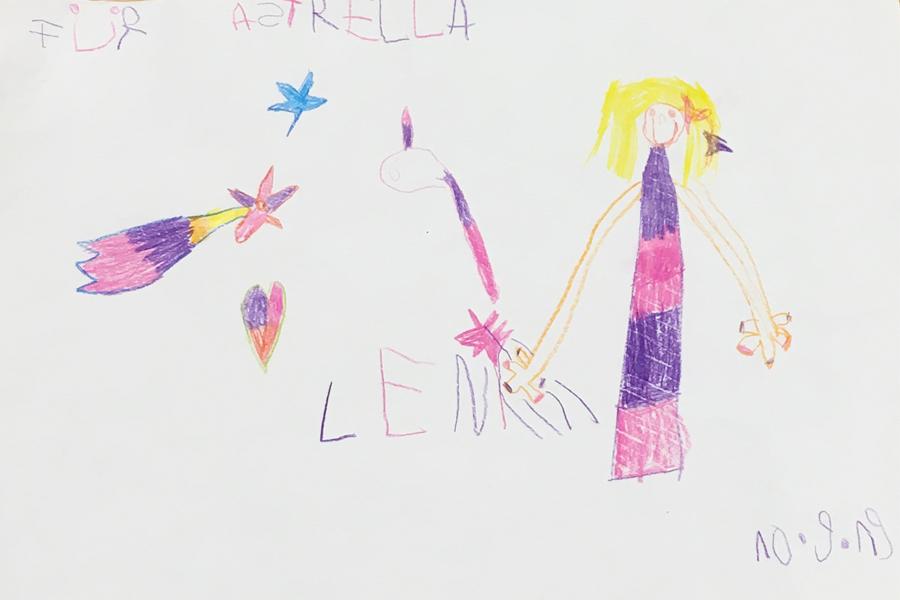 Leni, ein Kind aus dem Publikum im Planetarium